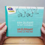 Een olifant in het zwembad - cover met Frans - tweetalig kinderboek van nik-nak